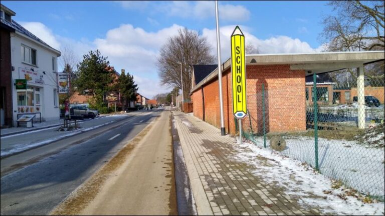 Gemeente reageert op stoepparkeerders